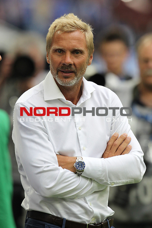 11.08.2013, VELTINS Arena, Gelsenkirchen, Deutschland, 1. FBL, FC Schalke 04 vs. Hamburger SV, im Bild <br /> Thorsten Fink (Trainer Hamburg)<br /> <br /> Foto &not;&copy; nph / Mueller *** Local Caption ***