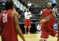 NWA Democrat-Gazette/Michael Woods --03/15/2015--w@NWAMICHAELW... University of Arkansas Razorbacks coach Mike Anderson works with his team Wednesday evening during their practice at Jacksonville Veterans Memorial Arena in Jacksonville, Florida.