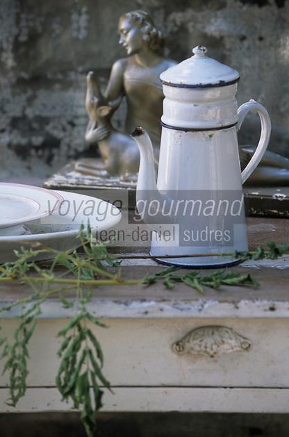 """Europe/France/Normandie/Basse-Normandie/61/Orne/La Perrière : Restaurant-brocante """"La Maison d'Horbé"""""""