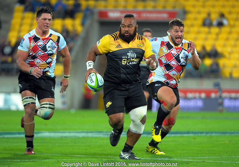 during the Super Rugby match between the Hurricanes and Southern Kings at Westpac Stadium, Wellington, New Zealand on Friday, 25 March 2016. Photo: Dave Lintott / lintottphoto.co.nz