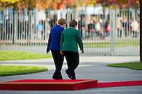 Berlin, Bundeskanzlerin Angela Merkel (CDU) empfaengt am Montag (27.10.2014) die Praesidentin der Republik Chile, Michelle Bachelet, mit militärischen Ehren. Foto: Steffi Loos/CommonLens