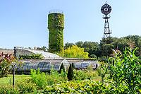 France, Indre-et-Loire (37), Montlouis-sur-Loire, jardins du château de la Bourdaisière, le potager conservatoire de la Tomate, la serre, mi 19 ème siècle