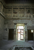 Italy: Herculaneum--Atrium of Casa Sannitica. Photo '83.