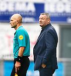 Nederland, Zwolle, 18 oktober 2015<br /> Eredivisie<br /> Seizoen 2015-2016<br /> PEC Zwolle-Vitesse<br /> Trainer Ron Jans van PEC Zwolle en de grensrechter