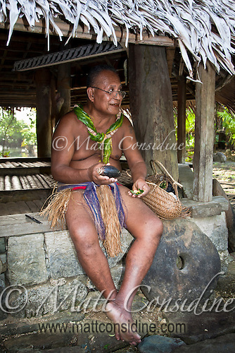 Chief preparing betel, Yap Micronesia (Photo by Matt Considine - Images of Asia Collection) (Matt Considine)