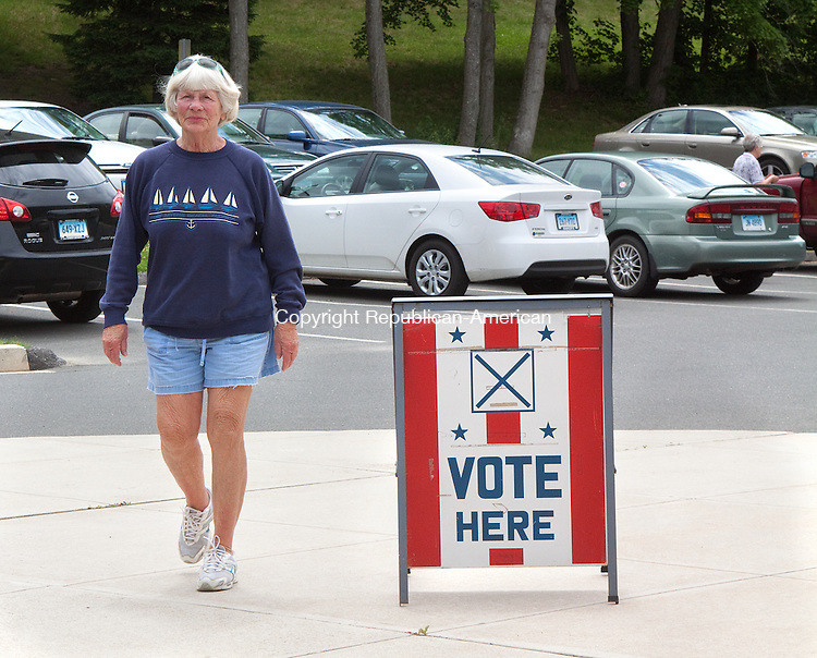WOODBURY, CT- JUNE 06  2011-060612DA01-  Louise Smith of Woodbury arrives at the Woodbury Senior Center on Wednesday to place her vote during the day long referendum..Darlene Douty Republican American