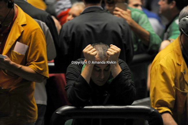 A traders in the S&P 500 pit at the CME Group in the last moments of trading before closing bell in Chicago, Illinois on October 10, 2008.  The S&P was down 1.18% Friday.