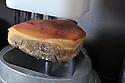 01/12/14 - AURILLAC - CANTAL - FRANCE - Entreprise Cantal Salaisons; Desossage d un jambon - Photo Jerome CHABANNE