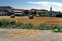Milano, località di Figino, periferia nord - ovest, Parco Agricolo Sud --- Milan, locality of Figino, north - west periphery, Rural Park South