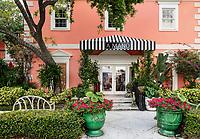 A Mano luxury gift shop, Naples, Florida, USA.