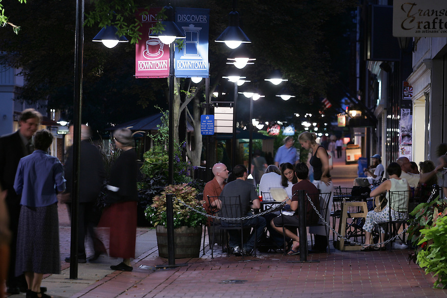 Patrons enjoy time on the historical downtown mall in Charlottesville, Va. Credit Image: © Andrew Shurtleff