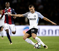 Calcio, Serie A: Bologna, stadio Renato Dall'Ara, 19 settembre 2017.<br /> Inter Milan's Ivan Perisic in action during the Italian Serie A football match between Bologna and Inter Milan at Bologna's Renato Dall'Ara stadium, September 19, 2017.<br /> UPDATE IMAGES PRESS/Isabella Bonotto