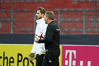 Torwarttrainer Andreas Koepke (Deutschland Germany) mit Kevin Trapp (Deutschland Germany) - 07.10.2017: Abschlusstraining Deutschland, OPEL Arena Mainz