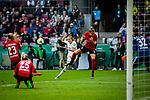 01.05.2019, RheinEnergie Stadion , Köln, GER, DFB Pokalfinale der Frauen, VfL Wolfsburg vs SC Freiburg, DFB REGULATIONS PROHIBIT ANY USE OF PHOTOGRAPHS AS IMAGE SEQUENCES AND/OR QUASI-VIDEO<br /> <br /> im Bild | picture shows:<br /> Flanke durch Caroline Graham Hansen (VfL Wolfsburg #26) , <br /> <br /> Foto © nordphoto / Rauch
