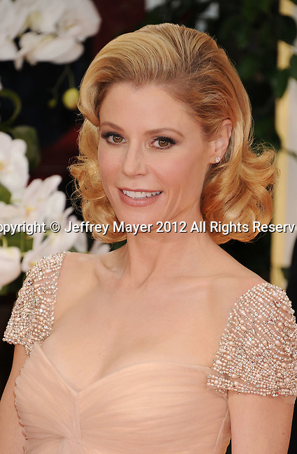 BEVERLY HILLS, CA - JANUARY 15: Julie Bowen arrives at the 69th Annual Golden Globe Awards held at the Beverly Hilton Hotel on January 15, 2012 in Beverly Hills, California.
