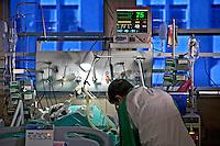 Unidade de pos operatorio cardiaco. Hospital de Bonsucesso Rio de Janeiro. 2010. Foto de Rogerio Reis.