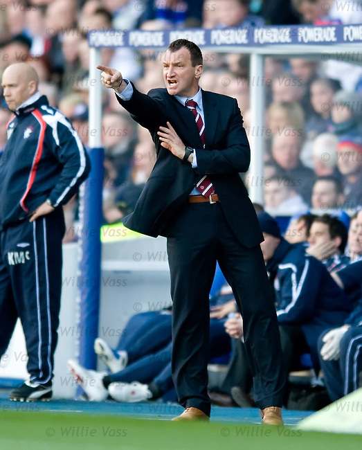 Hearts manager Csaba Laszlo changes the shape of his side