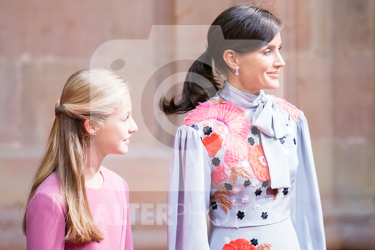 Queen Letizia and Princess of Asturias Leonor attend auddience in Oviedo because of Princess of Asturias Awards 2019. October 18, 2019 (Alterphotos/ Francis Gonzalez)