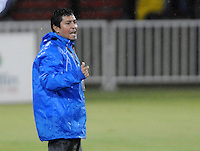 MEDELLÍN -COLOMBIA-04-05-2013. Oscar Pérez técnico del Medellín gesticula durante partido contra Itagüí en la fecha 14 de la Liga Postobón 2013-1 jugado en el estadio Atanasio Girardot de Medellín./ Medellín coach Oscar Pérez gestures during match against Itagüi on the 14th date of Postobon League 2013-1 at Atanasio Girardot stadium in Medellin.  Photo: VizzorImage/Luis Ríos/STR