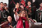 Mexico,DF.-El Féretro de la cantante Costarricense naturalizada mexicana Chavela Vargas, fue trasladado a la capilla de la Plaza Garibaldi, quien murió a los 93 años de edad debido a un paro respiratorio,  cientos de personas esperaban su llegada para  rendirle homenaje; la cantante Peruana Tania Libertad, se despidió de la reconocida catautora cantando temas que interpretó Vargas.Foto: Renato. V/zenitimages. /NortePhoto.com....**CREDITO*OBLIGATORIO** *No*Venta*A*Terceros*..*No*Sale*So*third* ***No*Se*Permite*Hacer Archivo***No*Sale*So*third*