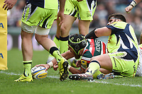 Graham Kitchener of Leicester Tigers scores a first half try. Aviva Premiership match, between Leicester Tigers and Sale Sharks on April 29, 2017 at Welford Road in Leicester, England. Photo by: Patrick Khachfe / JMP