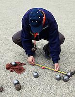 Senioren spelen jeu de boules