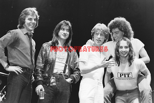 Journey 1981 Jonathan Cain, Steve Perry, Ross Valory,Neal Schon, Steve Smith.© Chris Walter.