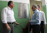 ATENCAO EDITOR: FOTO EMBARGADA PARA VEICULO INTERNACIONAL - SAO PAULO, SP, 13 DEZEMBRO 2012 - GOVERNADOR ALCKMIN NA CERIMONIA DOS 10 ANOS DO ACESSA SP NA ADEVA  - O governador Geraldo Alckmin e o presidente da ADEVA Markiano Charan (direita) descerram a placa em comemoracao dos 10 anos do posto do Acessa Sao Paulo na sede da ADEVA (Associacao de Deficientes Visuais e Amigos) na Vila Mariana zona sul da cidade nessa quinta 13. (FOTO: LEVY RIBEIRO / BRAZIL PHOTO PRESS)..