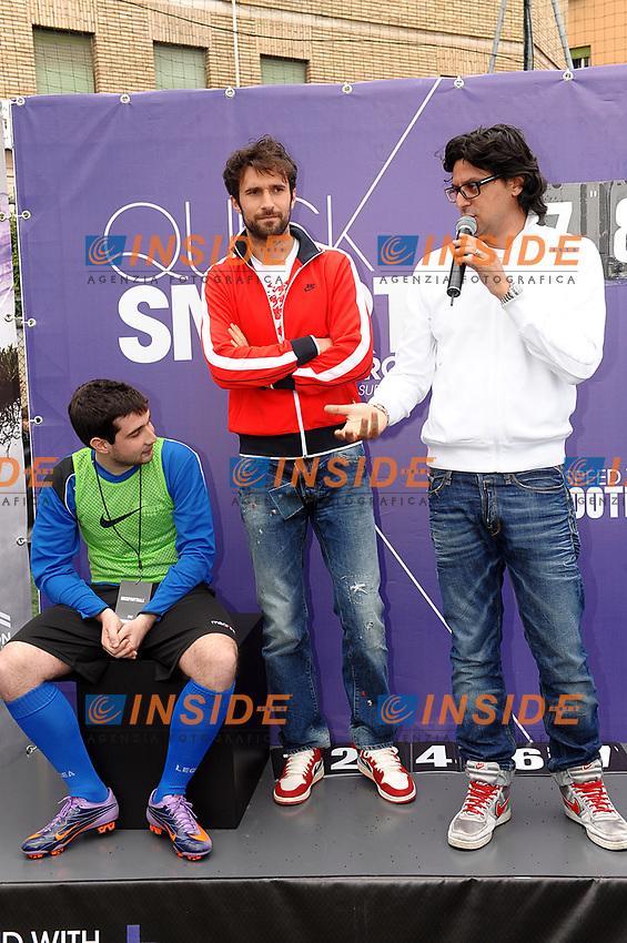 L'attaccante della Roma Mirko Vucinic scende in campo, oggi, per un evento organizzato da Nike, suo sponsor tecnico. Il montenegrino &egrave; il testimonial del Mercurial Speed Challenge, presso il campo della Spes Artiglio<br /> roma 12-04-2010<br /> foto massimo oliva insidefoto
