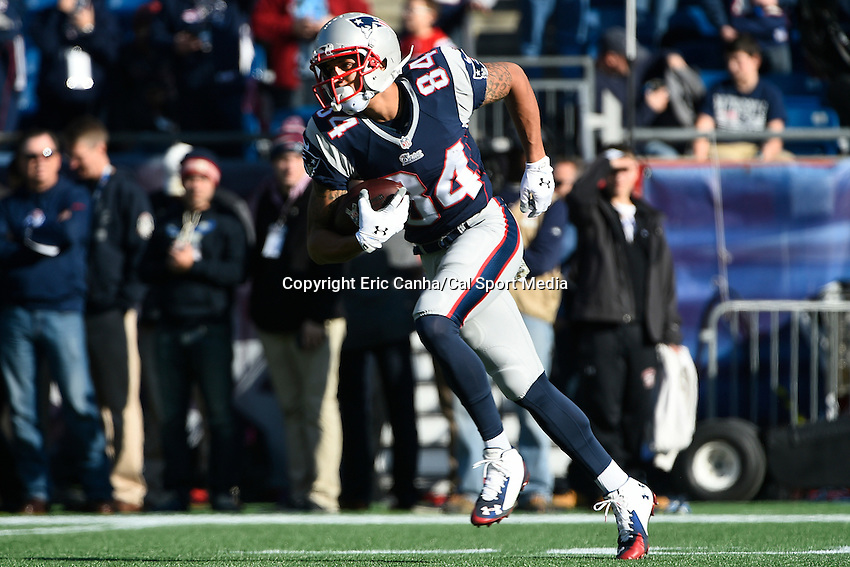 November 23, 2014 - Foxborough, Massachusetts, U.S.- New England Patriots wide receiver Brian Tyms (84) prepares for  the NFL game between the Detroit Lions and the New England Patriots held at Gillette Stadium in Foxborough Massachusetts. The Patriots defeated the Lions 34-9. Eric Canha/CSM