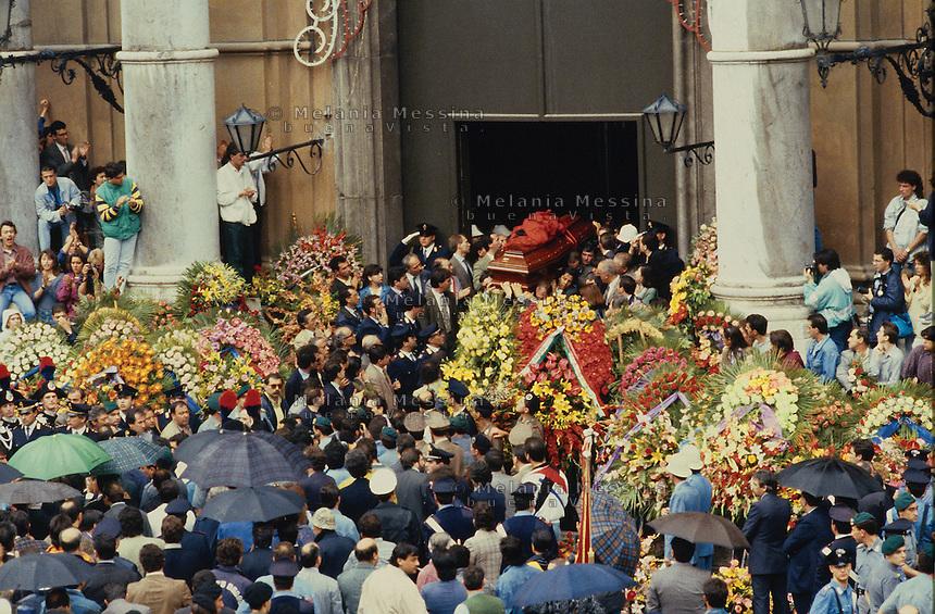 Giovanni Falcone's funeral.<br /> Funerali di Giovanni Falcone.