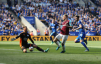 West Ham United's Marko Arnautovic is thwarted by Leicester City's Ben Hamer<br /> <br /> Photographer Rob Newell/CameraSport<br /> <br /> The Premier League - Leicester City v West Ham United - Saturday 5th May 2018 - King Power Stadium - Leicester<br /> <br /> World Copyright &copy; 2018 CameraSport. All rights reserved. 43 Linden Ave. Countesthorpe. Leicester. England. LE8 5PG - Tel: +44 (0) 116 277 4147 - admin@camerasport.com - www.camerasport.com