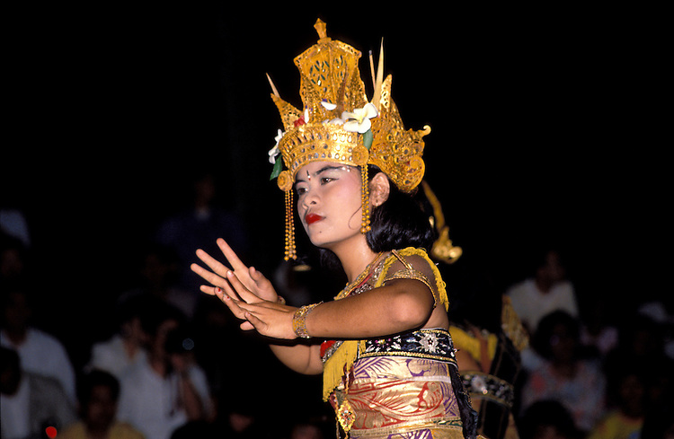 Monkey Dance, Denpasar, Bali, Indonesia,  photo bali205, Photo Copyright: Lee Foster, www.fostertravel.com, 510-549-2202, lee@fostertravel.com., monkey dance, denpasar, dancer, entertainer, entertainment, attraction, attractive, enjoyment, occupation, profession, artful, horizontal