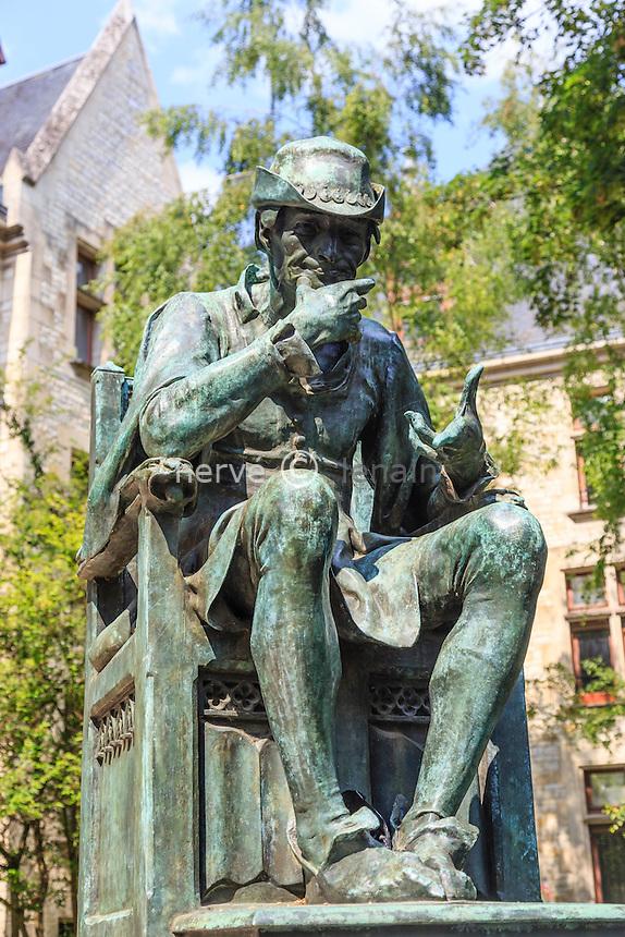 France, Cher (18), Bourges, statue de Louis XI par Jean Baffier rue Michel de Bourges // France, Cher, Bourges, statue of Louis XI by Jean Baffier, Michel de Bourges street