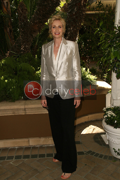 Jane Lynch<br /> at The Hollywood Foreign Press Association Annual Installation Luncheon, Four Seasons Hotel, Beverly Hills, CA. 07-28-10<br /> David Edwards/Dailyceleb.com 818-249-4998