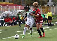 BOGOTÁ- COLOMBIA,27-07-2019:Sofia Rodrígez (Izq.) jugadora de Equidad femenino  disputa el balón con Chelsea Cabarcas (Der.) jugadora de Fortaleza  femenino  durante el 3 partido de la Liga Águila Femenina 2019 jugado en el estadio Metropolitano de Techo de la ciudad de Bogotá. /Sofia Rodriguez(L) player of Equidad fights the ball  against of Chelsea Cabarcas (R) player of Fortaleza during the date 3th match for the Liga Aguila women  2019 played at the Metropolitano de Techo stadium in Bogota city. Photo: VizzorImage / Felipe Caicedo / Staff