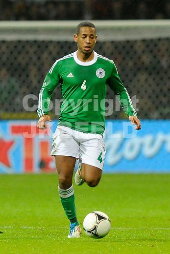 BREMEN - Voetbal, Duitsland - Frankrijk, vriendschappelijke interland, Weser stadion, 29-02-2012,   Dennis Aogo.