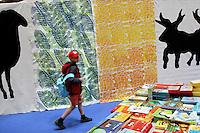 04/05/2006 Torino: fiera internazionale del libro...Turin: International Book Fair