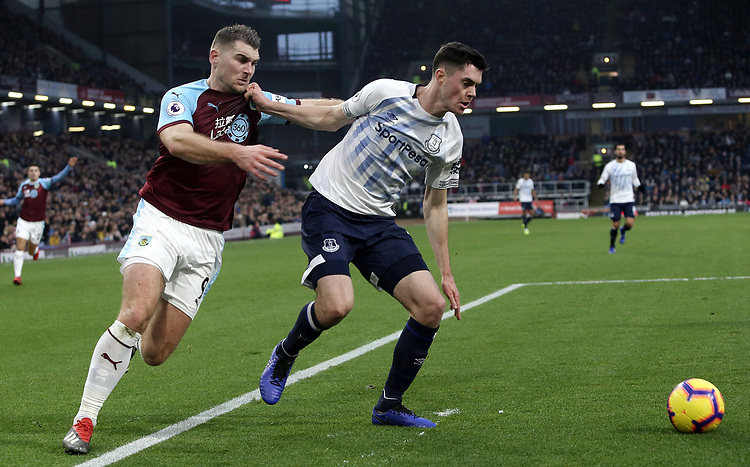 Everton's Michael Keane holds off the challenge from Burnley's Sam Vokes <br /> <br /> Photographer Rich Linley/CameraSport<br /> <br /> The Premier League - Burnley v Everton - Wednesday 26th December 2018 - Turf Moor - Burnley<br /> <br /> World Copyright © 2018 CameraSport. All rights reserved. 43 Linden Ave. Countesthorpe. Leicester. England. LE8 5PG - Tel: +44 (0) 116 277 4147 - admin@camerasport.com - www.camerasport.com