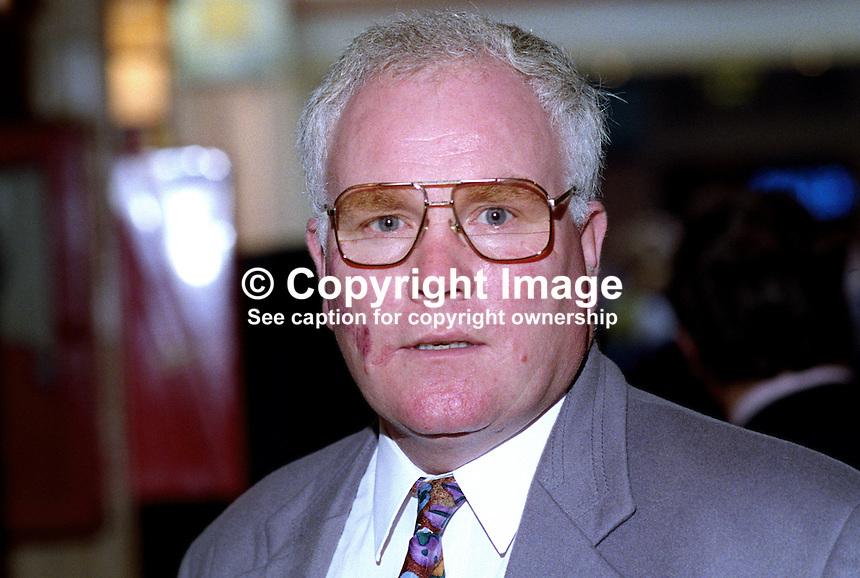Ronnie Campbell, MP, Labour Party, politician, UK, 19921006RC..Copyright Image from Victor Patterson, 54 Dorchester Park, Belfast, UK, BT9 6RJ..Tel: +44 28 9066 1296.Mob: +44 7802 353836.Voicemail +44 20 8816 7153.Skype: victorpattersonbelfast.Email: victorpatterson@me.com.Email: victorpatterson@ireland.com (back-up)..IMPORTANT: If you wish to use this image or any other of my images please go to www.victorpatterson.com and click on the Terms & Conditions. Then contact me by email or phone with the reference number(s) of the image(s) concerned.