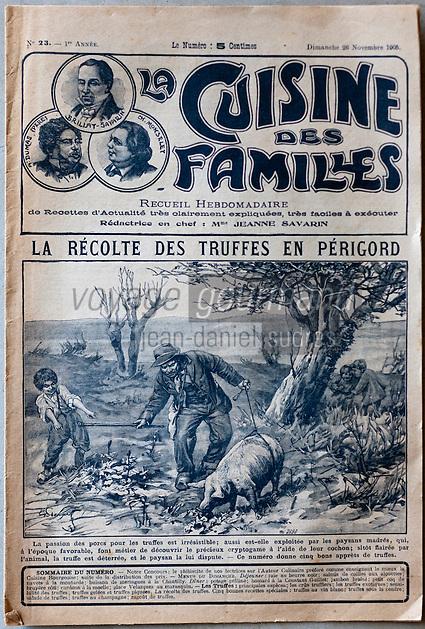Europe/France/Aquitaine/24/Dordogne/Sorges: Musée de la Truffe, Sorges _ Récolte des Truffes en Périgord Couverture de la Cuisine des Familles 1905 _ Reproduction - Collection:  Musée de la Truffe, Sorges