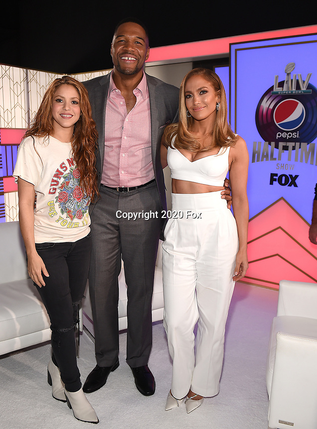 MIAMI, FL - JANUARY 30: Shakira, Jennifer Lopez, and Michael Strahan following the press conference for the Pepsi Super Bowl LIV halftime show during Super Bowl LIV week on January 30, 2020 in Miami, Florida. (Photo by Frank Micelotta/Fox Sports/PictureGroup)