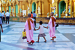 Monks, Shwedagon Pagoda