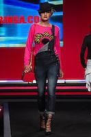 SÃO PAULO-SP-03.03.2015 - INVERNO 2015/MEGA FASHION WEEK -Grife Gringa.com/<br /> O Shopping Mega Polo Moda inicia a 18° edição do Mega Fashion Week, (02,03 e 04 de Março) com as principais tendências do outono/inverno 2015.Com 1400 looks das 300 marcas presentes no shopping de atacado.Bráz-Região central da cidade de São Paulo na manhã dessa segunda-feira,02.(Foto:Kevin David/Brazil Photo Press)