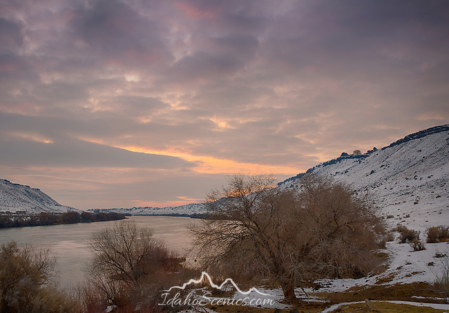 Idaho, South Central, Twin Falls, Hammett. A winter sunset over the Snake River at the Hammett Bridge area.