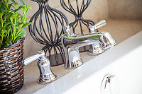 Chrome Bathtub Faucet Fixture