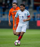 Jay Dasilva (Charlton Athletic (on loan from Chelsea) of England U20 & Ilias Alhaft (Sparta Rotterdam) of Netherlands during the International friendly match between England U20 and Netherlands U20 at New Bucks Head, Telford, England on 31 August 2017. Photo by Andy Rowland.