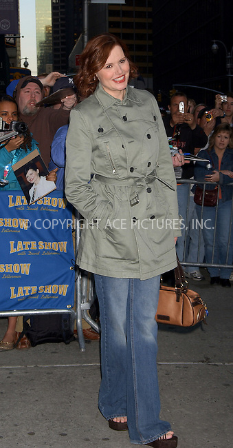 WWW.ACEPIXS.COM . . . . .  ....NEW YORK, APRIL 11, 2006....Gena Davis makes a guest apperance at the Late Show with David Letterman.....Please byline: AJ Sokalner - ACEPIXS.COM.... *** ***..Ace Pictures, Inc:  ..Philip Vaughan (212) 243-8787 or (646) 769 0430..e-mail: info@acepixs.com..web: http://www.acepixs.com