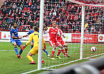 01.12.2018, Stadion an der Wuhlheide, Berlin, GER, 2.FBL, 1.FC UNION BERLIN  VS.SV Darmstadt 98, <br /> DFL  regulations prohibit any use of photographs as image sequences and/or quasi-video<br /> im Bild 3: 0 durch Marvin Friedrich (1.FC Union Berlin #5), Sebastian Andersson (1.FC Union Berlin #10), Grischa Proemel (1.FC Union Berlin #21)<br /> Fernandes Heuer (Darmstadt #1), Aytac Sulu (Darmstadt #4)<br /> <br /> <br />      <br /> Foto &copy; nordphoto / Engler