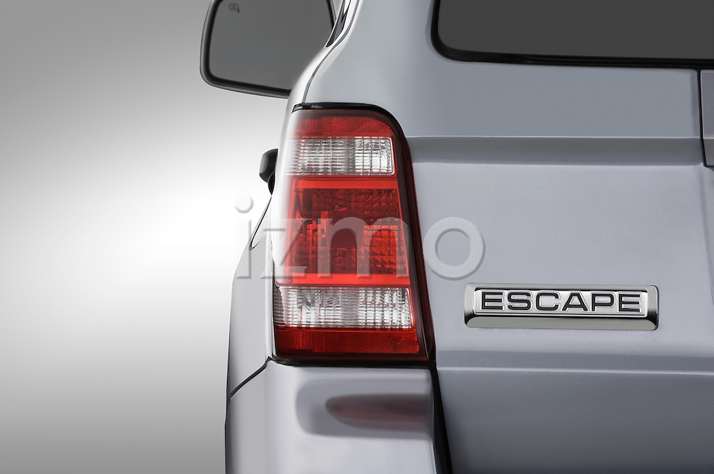 Straight tail light view of a 2008 Ford Escape Hybrid